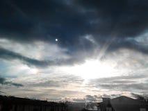 两太阳日落  图库摄影