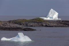两座冰山, Fogo海岛 免版税库存照片