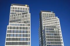 两座办公楼 免版税库存图片