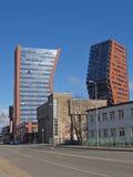 两座高层建筑物在克莱佩达,立陶宛 库存图片