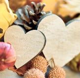 两心脏在秋天背景中 免版税图库摄影