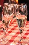 两支长笛香槟敬酒 库存照片