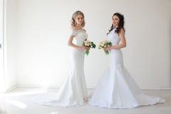 两有花束婚礼的婚姻的新娘 库存图片