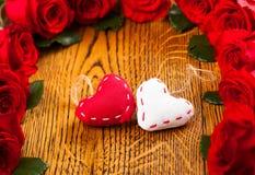 两朵心脏和花 免版税图库摄影