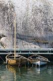 两条木小船西海岸瑞典 免版税库存照片
