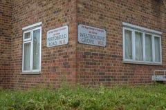 两条街道的大厦位于诺丁山 免版税图库摄影