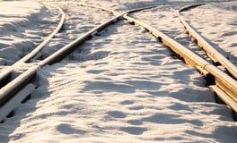 两条铁路轨道合并 免版税图库摄影