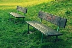 两条长凳 库存图片