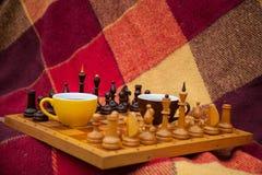 两杯色的茶。 免版税库存图片