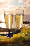两杯香槟 免版税库存照片