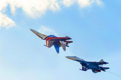 两架军事战斗机 库存照片
