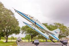 两架超音速喷气机在美国航空航天局中心在Hoston 库存照片