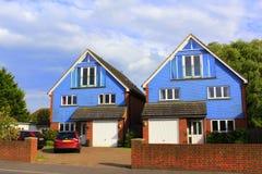 两栋蓝色乡间别墅肯特英国 免版税库存照片