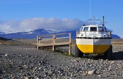 两栖车在冰岛 免版税库存照片