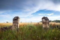 两根石柱子 图库摄影