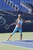 两次全垒打冠军维多利亚・阿扎伦卡为美国公开赛实践2014年在比利・简・金国家网球中心 免版税库存图片
