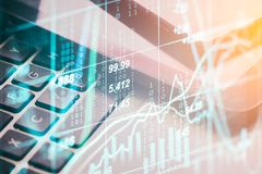 两次曝光在财政统计数据的企业辅助部件 库存图片