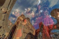 两次曝光有在罗马斗兽场里面的fisheye视图和罗马 库存照片
