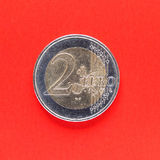 两欧元硬币金钱 库存图片