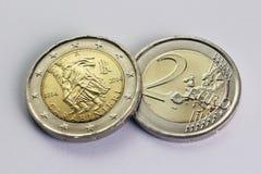 两欧元硬币,纪念Carabinieri,意大利 图库摄影