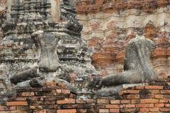 两残破的菩萨雕象 免版税库存照片
