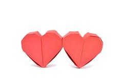 两红色origami纸心脏 免版税库存照片