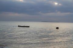 两艘单桅三角帆船 图库摄影