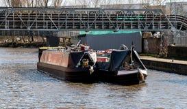两艘驳船航行 免版税库存照片
