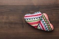 两被编织的心脏形状 库存照片