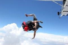 两跳伞运动员从飞机跳 图库摄影