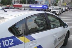两辆汽车碰撞在胜利广场在基辅,乌克兰, 2017年7月3日 库存照片