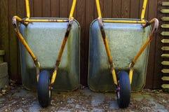 两辆独轮车站立 免版税库存图片