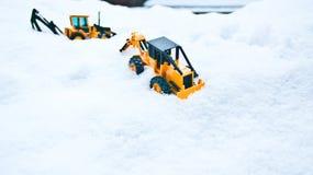 两辆玩具铲车 免版税库存图片