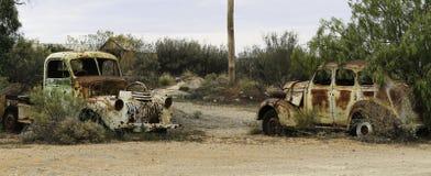 两辆生锈的汽车布洛肯希尔 免版税库存照片