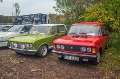 两辆经典之作波兰汽车Polski菲亚特125p 库存照片