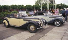 两辆BMW 328老朋友汽车敞篷车正面图 免版税图库摄影