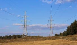 两输电线 免版税库存图片
