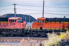 两连接了活动火车 免版税图库摄影