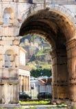 两面神-罗马曲拱  库存照片