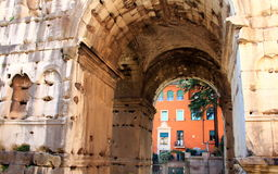 两面神-罗马曲拱  免版税库存照片