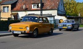两经典汽车、斯柯达和福特Taunus 库存图片