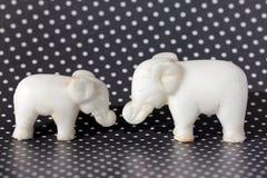 两头玩具大象 免版税图库摄影