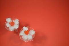 两玻璃和爱 图库摄影