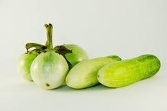 两黄瓜和三茄子 免版税库存照片