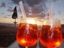 两份饮料,海滩, cilento,意大利,欧洲 免版税库存图片