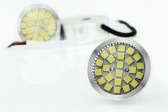 两MR16 LED电灯泡和12V电源 免版税库存图片