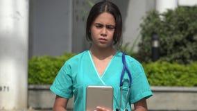 严肃的年轻女性护士 股票录像