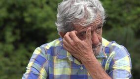 严肃的老年长西班牙人 股票视频