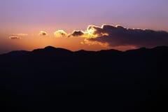 严重的山云彩 库存照片