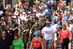 从36个不同国家的战士在四天远足参与 库存图片